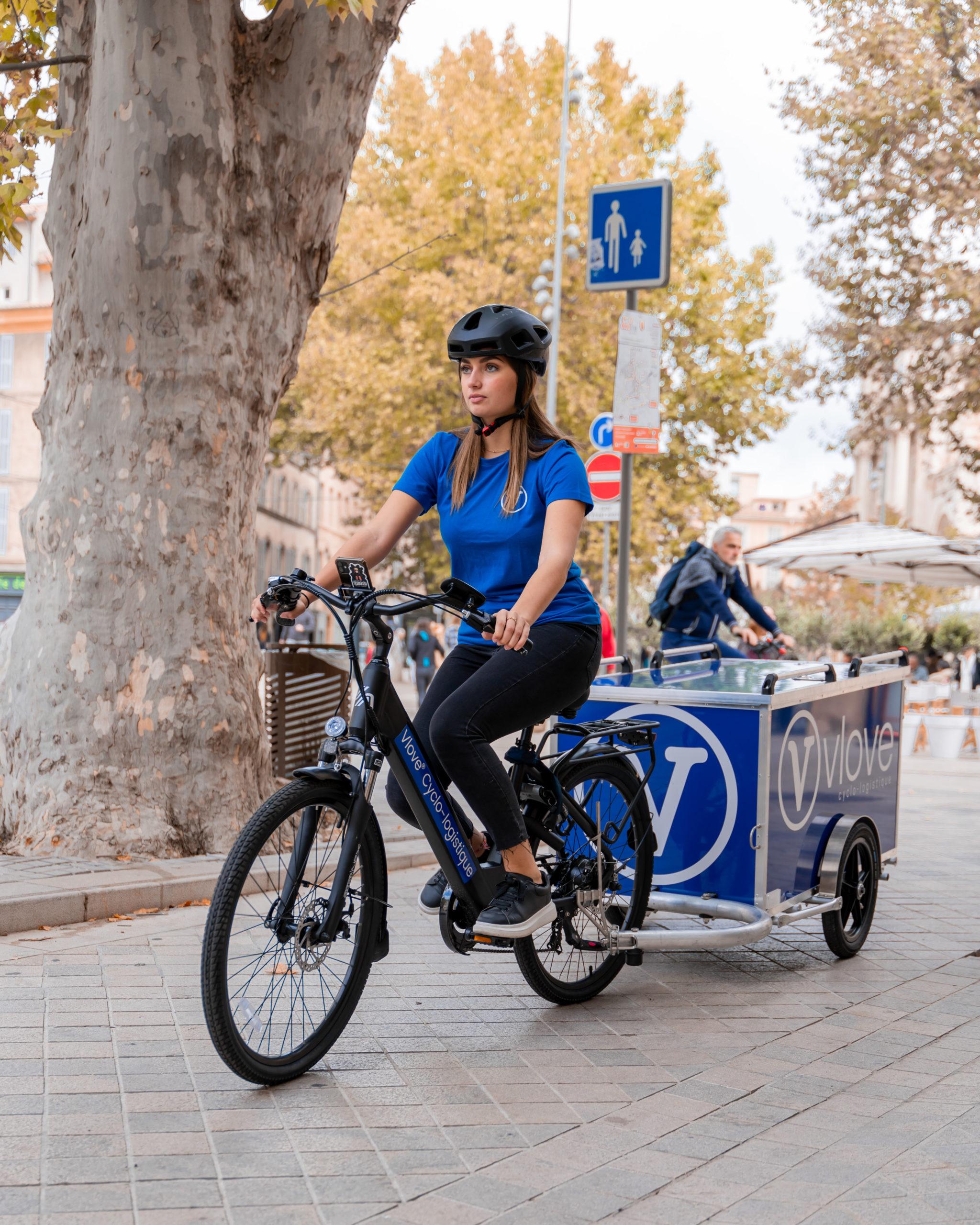 Livraison en vélo et remorque en ville